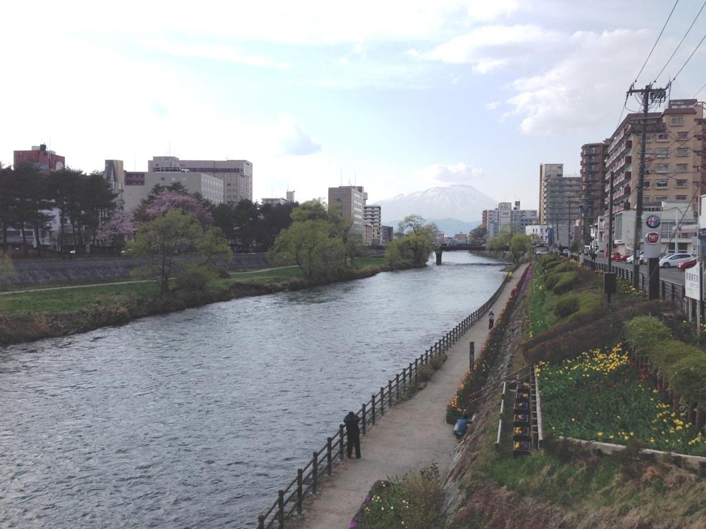北上川の川岸