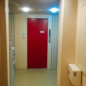 館内のエレベーター