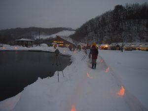 雪月火の灯とカメラマン