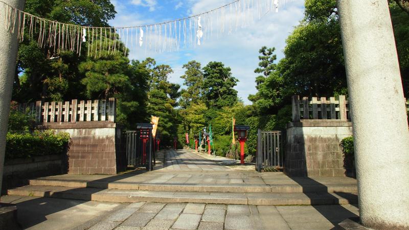 敷地神社入り口