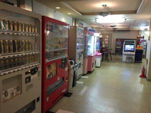 地下自動販売機コーナー