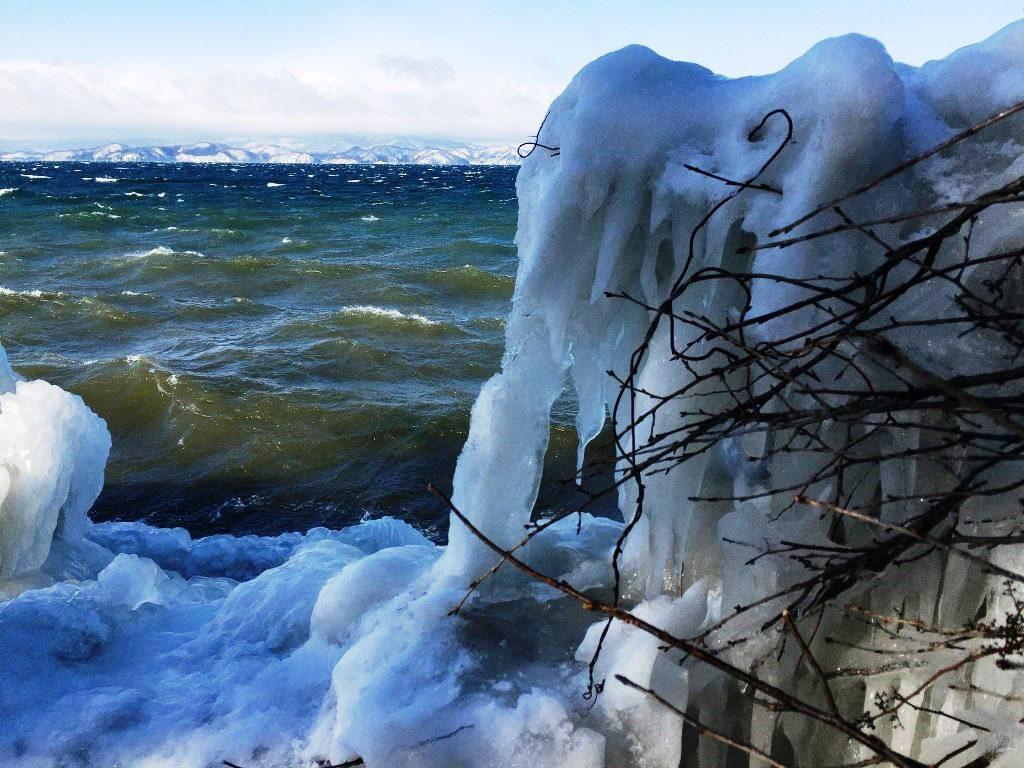 猪苗代湖としぶき氷
