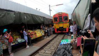 メークロンの傘たたみ市場(タイ旅行2018)
