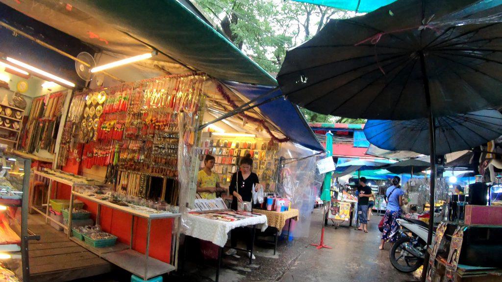 ミャンマー市場
